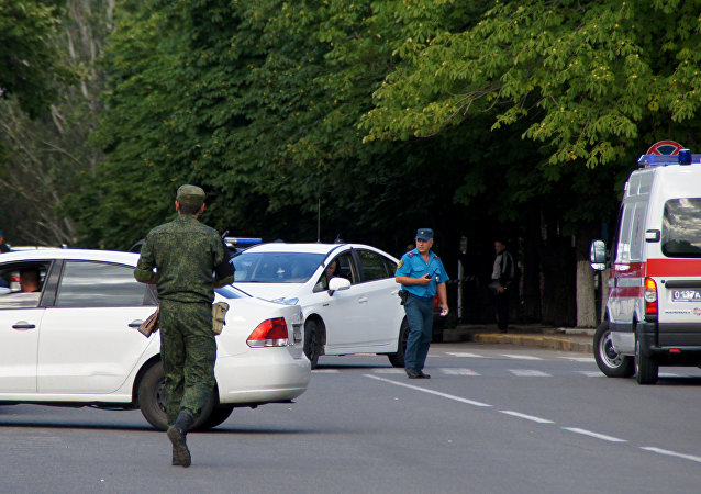 Law enforcement agents in the center of Lugansk.