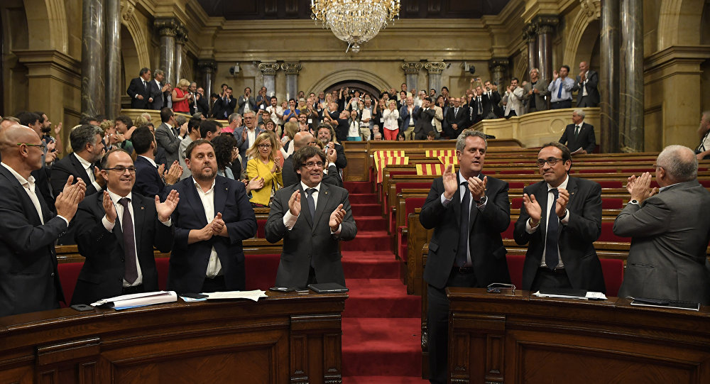 Catalan parliament passes 'illegal' referendum bill