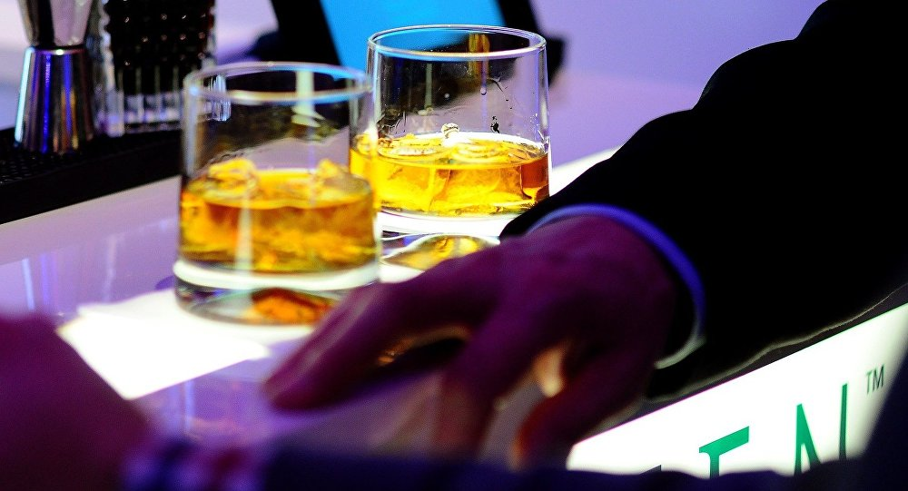 Alcohol manufacturers misrepresenting its link to cancer, says study