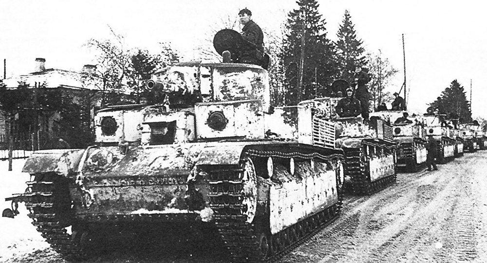 A column onf T-28s