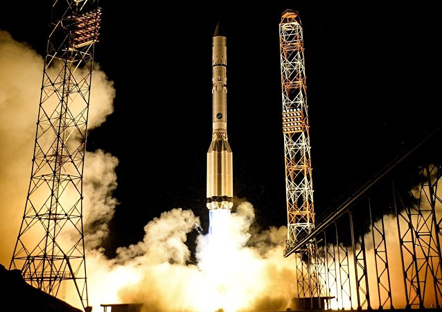 Proton-M rocket lifts off from Baikonur carrying Spanish Amazonas-5 telecommunications satellite