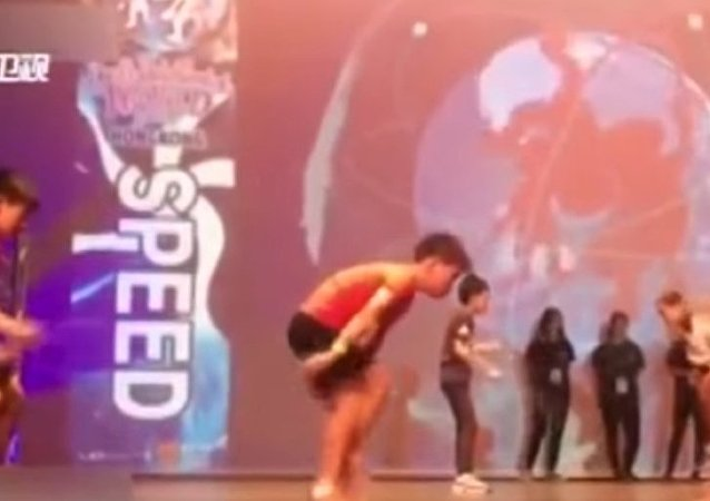 Skipping rope fast like a sewing machine: Shanghai students broke world recor