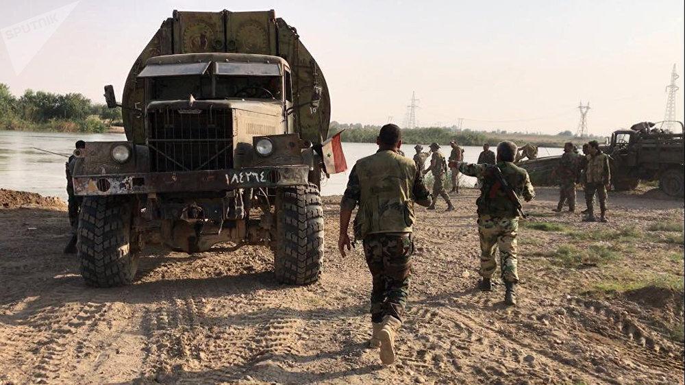 Syrian army forced the Euphrates River near Deir ez-Zor. File photo