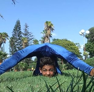 Palestinian Acrobat Trains To Break Guinness Record