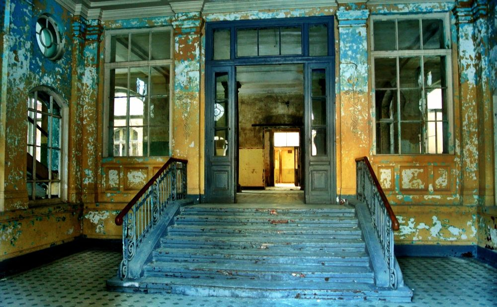 Hello From the Other Side: Most Mysterious and Haunted Places in the World