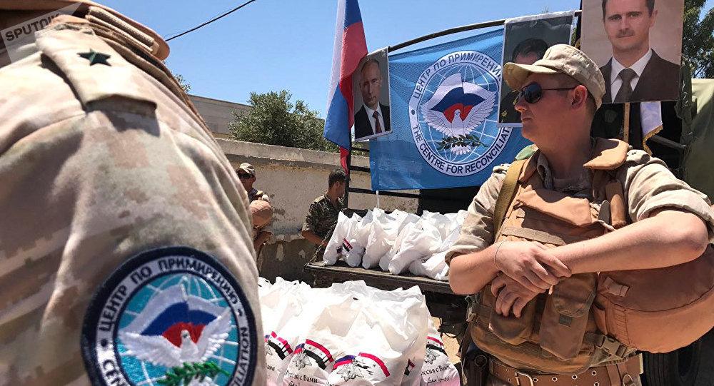 シリアの対イラン側の和解センターは、シリアのクンニトラ州のジバで人道援助を引き渡す