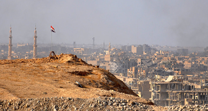 A general view of the eastern Syrian city of Deir Ezzor during an operation by Syrian government forces against Islamic State (IS) group jihadists on November 2, 2017