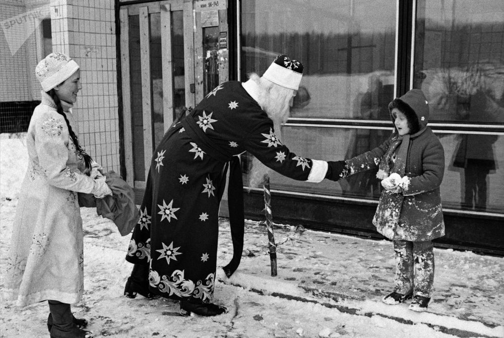 A Trip Down Memory Lane: Moscow in December, From 1935 Until Today