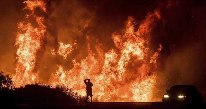 Watch Giant Fire Tornado Hit California Amid Infernal Wildfires