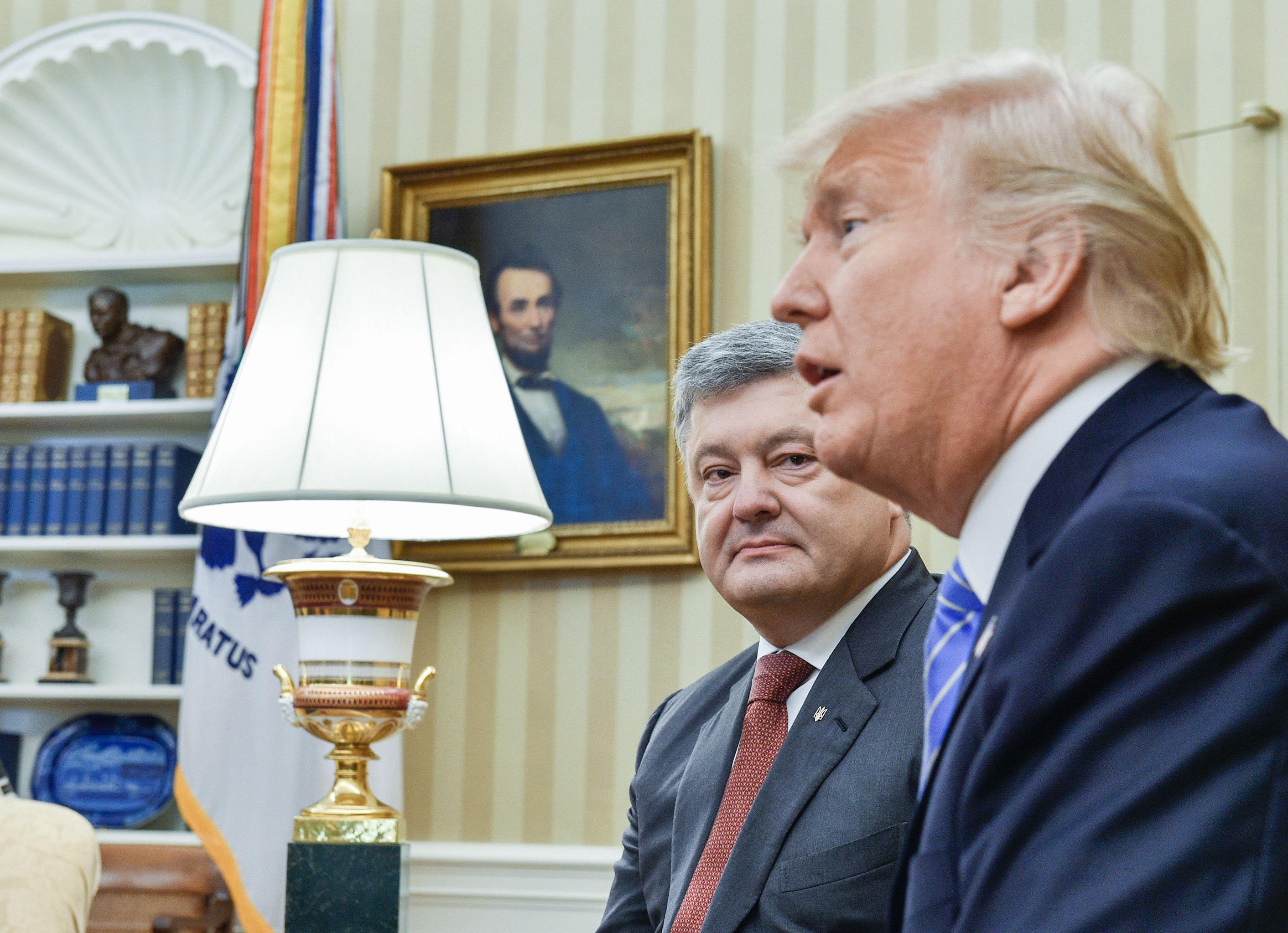 Ukrainian President Petro Poroshenko, left, and US President Donald Trump during their meeting