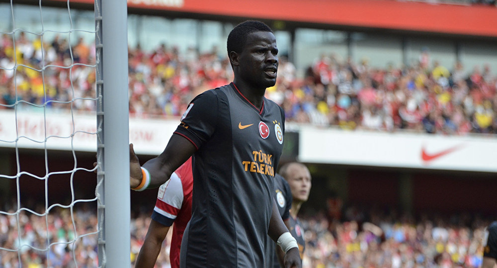 Arsenal cult hero Eboue offered job by Galatasaray