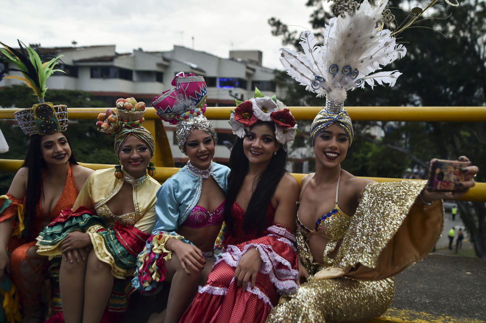 The Passion of Dance: Hot Salsa Dancers Rock Festival in Colombia