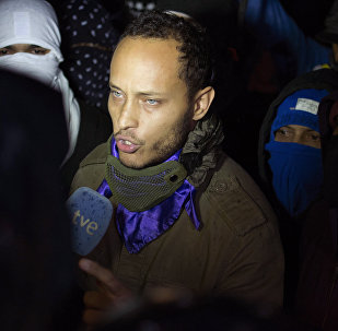 Oscar Perez speaks to the press at a night vigil to honor the more than 90 people killed during three months of anti-government protests, in Caracas, Venezuela. (File)