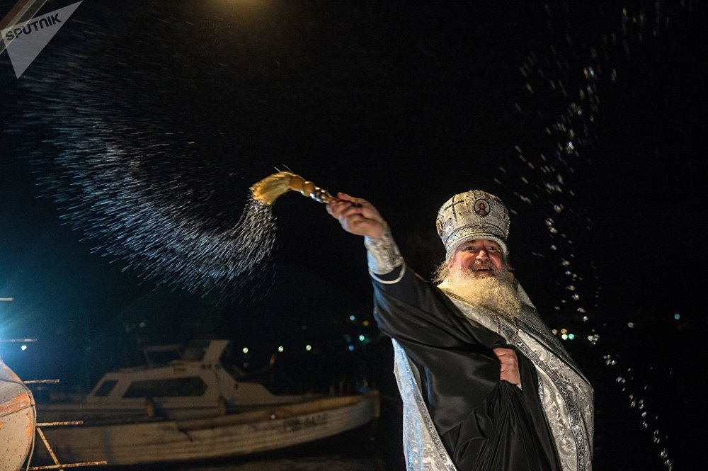 That's the Russian Spirit! People Dip in Icy Water Celebrating Orthodox Epiphany