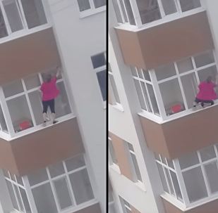 Don't Look Down: Moldovan Window Washer's Deadly Dedication