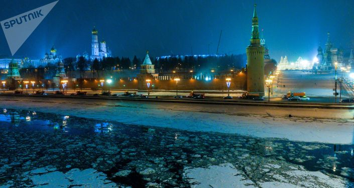 View of the Moscow Kremlin from the Bolshoy Moskvoretsky bridge.
