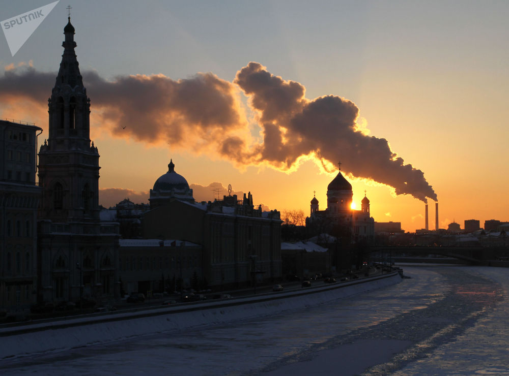 View of the ice-covered Moscow river.