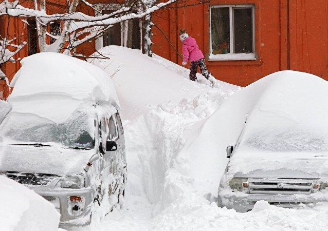 A child in Yuzhno-Sakhalinsk. File photo