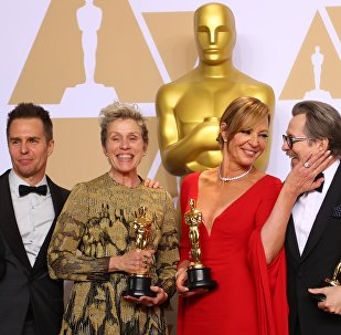 90th Academy Awards - Oscars Backstage - Hollywood, California, U.S., 04/03/2018 - Oscar winners Sam Rockwell, Frances McDormand, Allison Janney and Gary Oldman (L to R) pose backstage