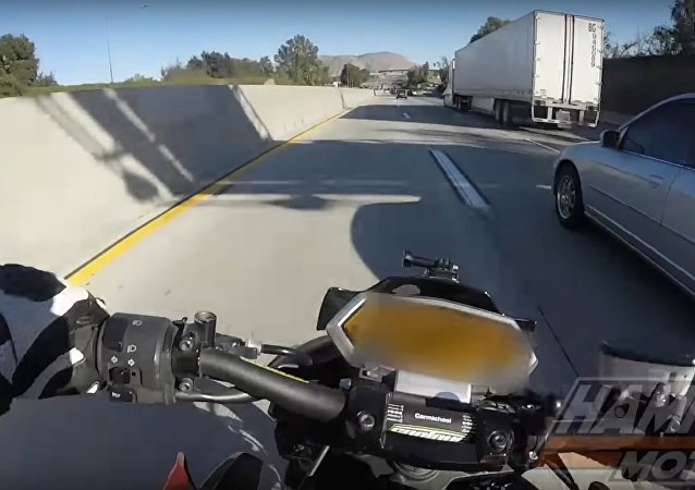 NTENSE CRASH | BIKER VS SEMI TRUCK