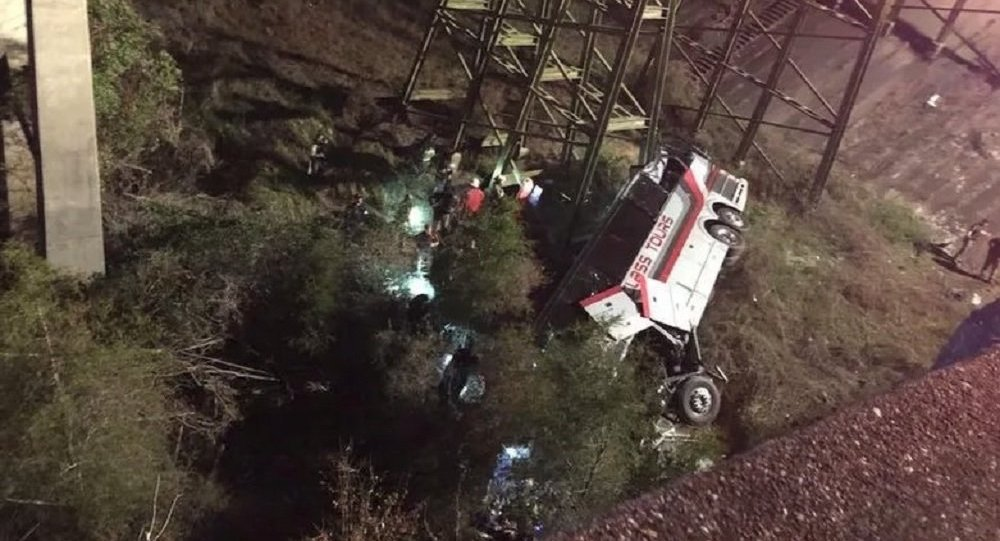 Tour bus falls off ravine on I-10, multiple helicopters respond