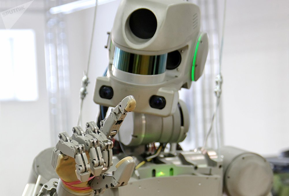 Testing the FEDOR (Final Experimental Demonstration Object Research) antropomorphic robot for the Spasatel rescue project, at a lab of Android Technics in Magnitogorsk. (File)