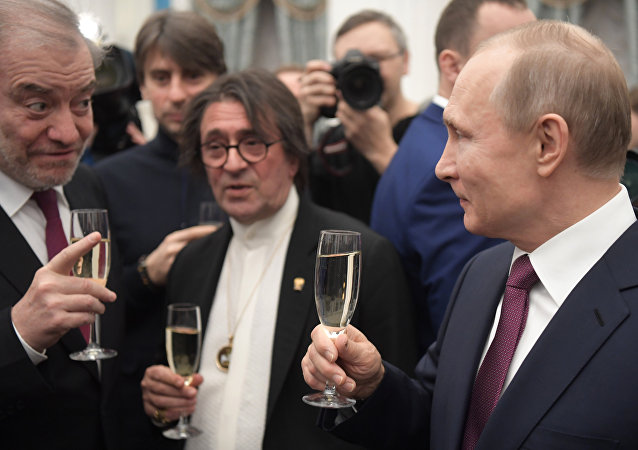 From right: President Vladimir Putin, Art Director and Chief Conductor of the Novaya Rossiya Symphony Orchestra Yury Bashmet and Mariinsky Theater Artistic Director Valery Gergiev after the 2017 awards ceremony for young culture professionals for writing and art for children and young people