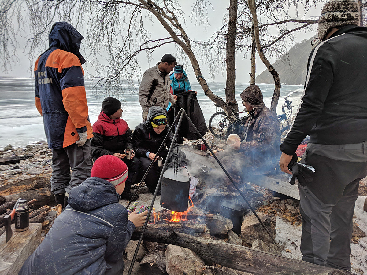 Baikal-camping-with-locals