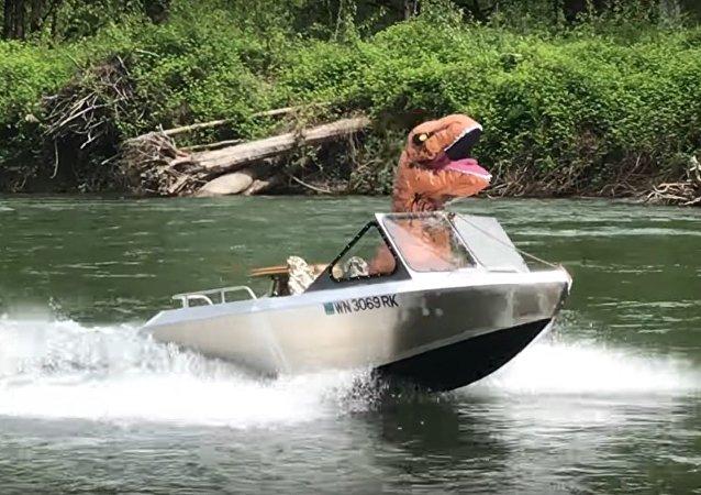 Tyrannosaurus Boating