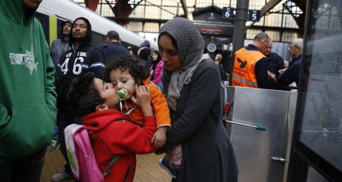 Syrian migrants arrive at main train station in Copenhagen (File)