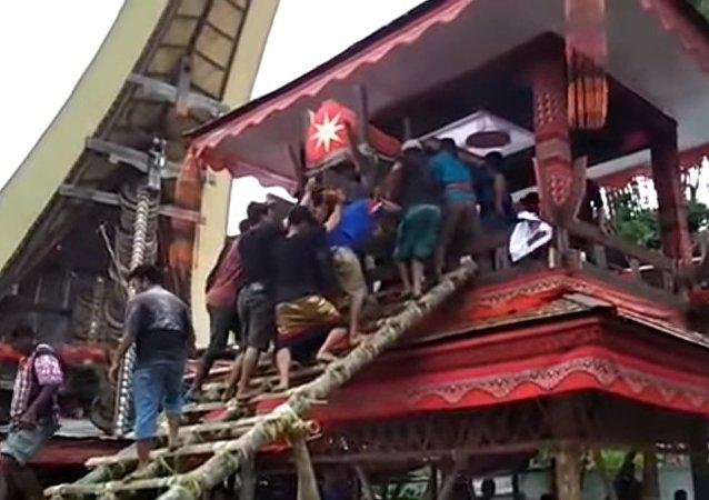 PNS Ini Tewas Tertimpa Peti Mayat Ibunya Sendiri di Toraja