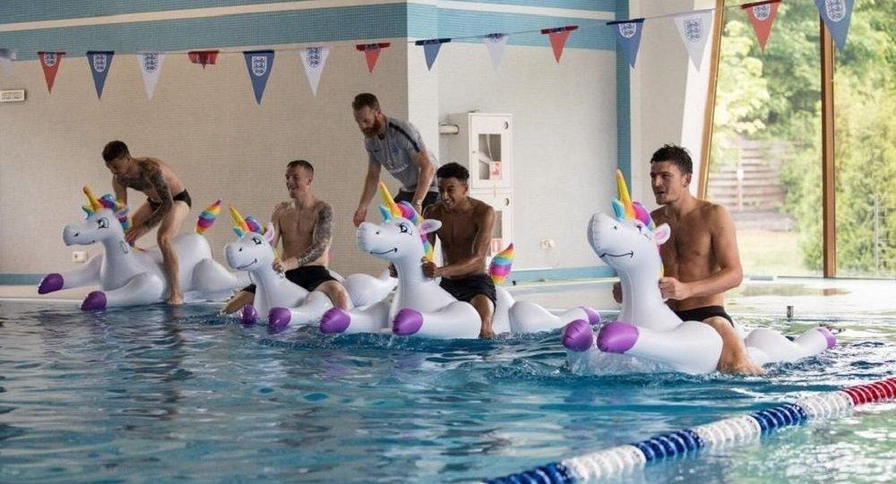 England team on unicorns