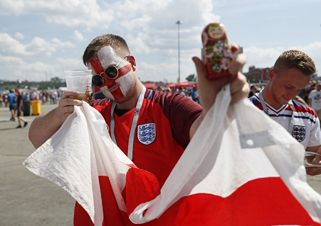 Soccer Football - FIFA World Cup - Group G - England v Panama - Nizhny Novgorod, Russia - June 24, 2018 - Supporters of England gather before the match