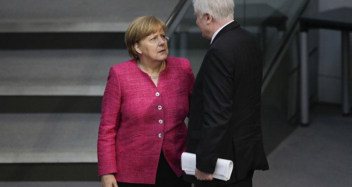 Bundeskanzlerin Angela Merkel und Bundesinnenminister Horst Seehofer in Bundsetag
