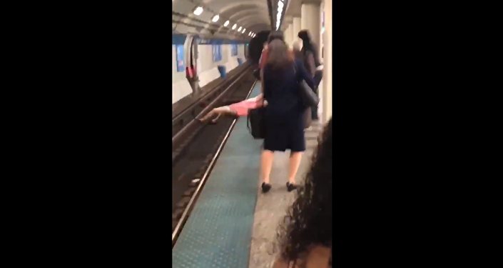 Chicago man yelling racial slurs at commuters gets dose of karma after black man punches him