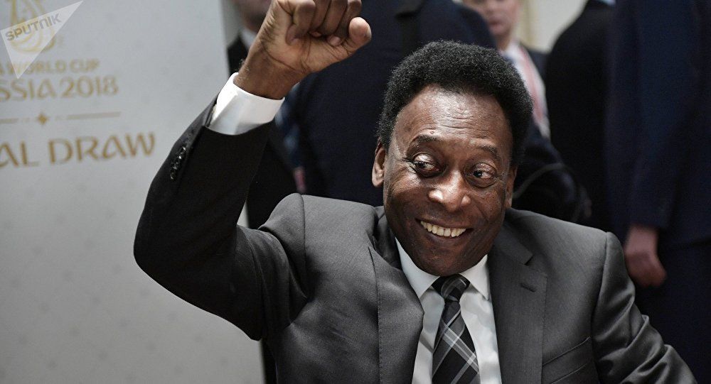 Pele places himself & Diego Maradona above Argentine star