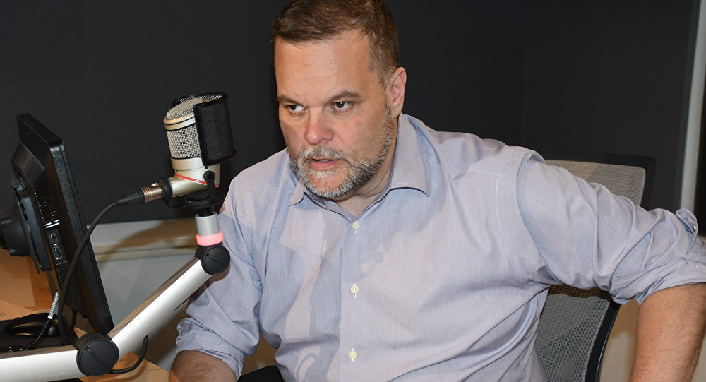 Lee Stranahan in the studio at Radio Sputnik in June 2018