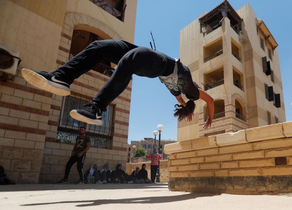 Run, Girl, Run! Parkour Ladies of Egypt