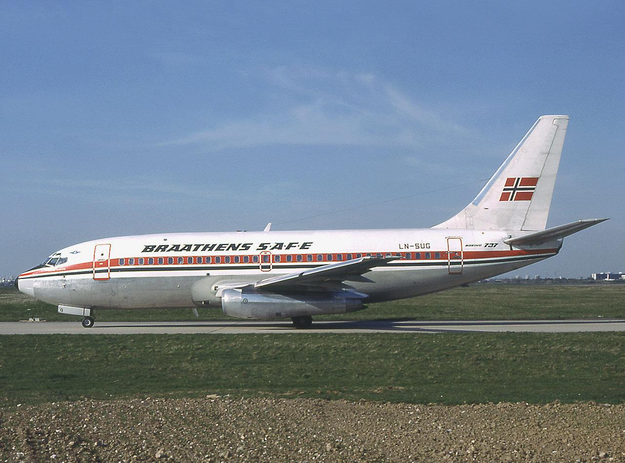 Braathens SAFE Boeing 737-205 LN-SUG at Paris-Charles de Gaulle Airport