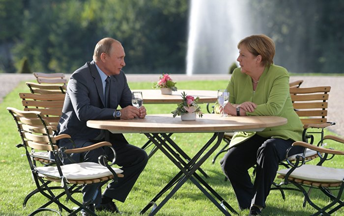German Chancellor Angela Merkel and Russian President Vladimir Putin