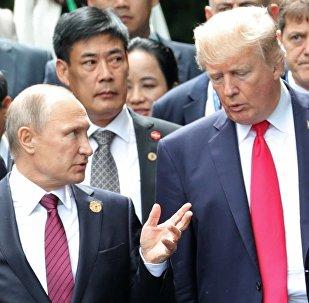 Russlands Präsident Wladimir Putin und sein US-Amtskollege Donald Trump (Archiv)