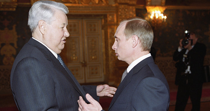 Putin and Yeltsin before the inauguration ceremony