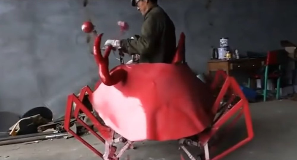 Chinese farmer invents robo crab