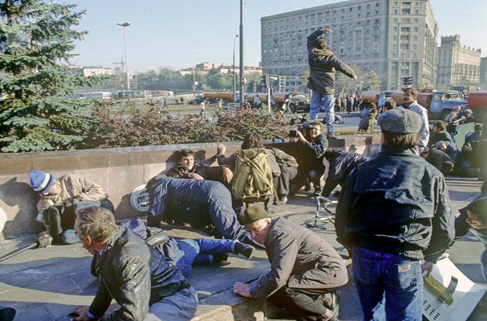 Shoot-out between Russian Parliament supporters and special police unit near House of the Soviets, under attack in Moscow