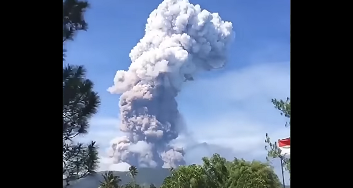 Mount Soputan Erupts on the north coast of Sulawesi, Indonesia, October 3, 2018