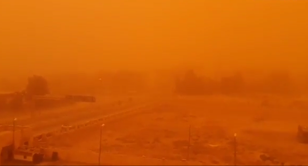 Sandstorm in the Syrian city of Deir ez-Zor