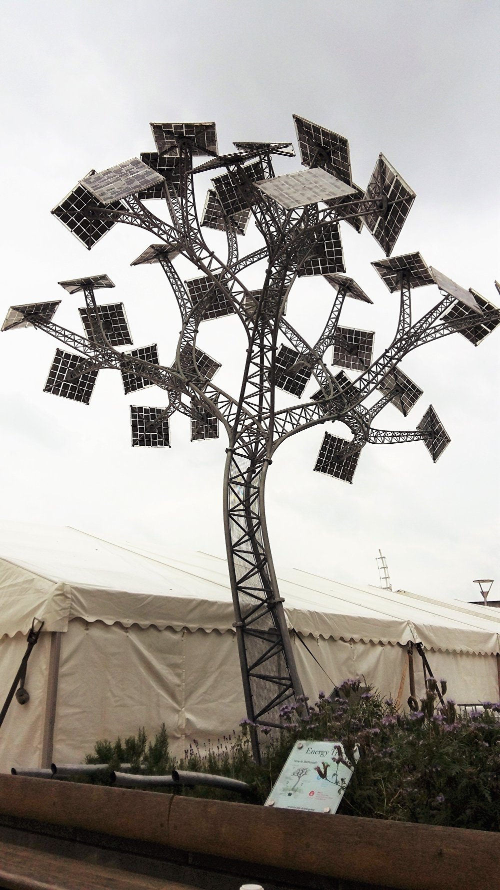 The Energy Tree, in Bristol, provides free mobile phone charging points and wi-fi in the English city.