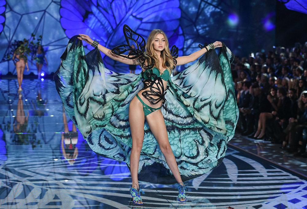 Model Gigi Hadid walks the runway during the 2015 Victoria's Secret Fashion Show at the Lexington Armory on Tuesday, Nov. 10, 2015, in New York.