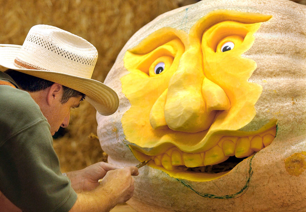 Pumpkin Heads To Pumpkin Pie: Sputnik's Guide to Halloween Pumpkin Carving