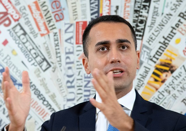 Italy deputy Prime Minister and Labour, Industry Minister Luigi Di Maio gestures during a press conference, on November 9, 2018 in Rome